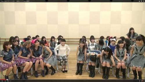 小田ちゃんの左側には最終的に竹内朱莉さんが座りました。